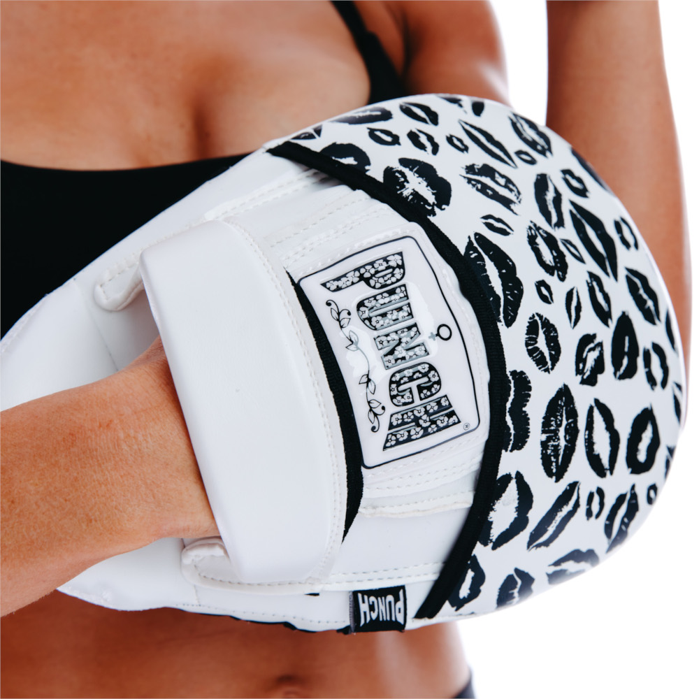 Womens Black Lips Focus Pads 2